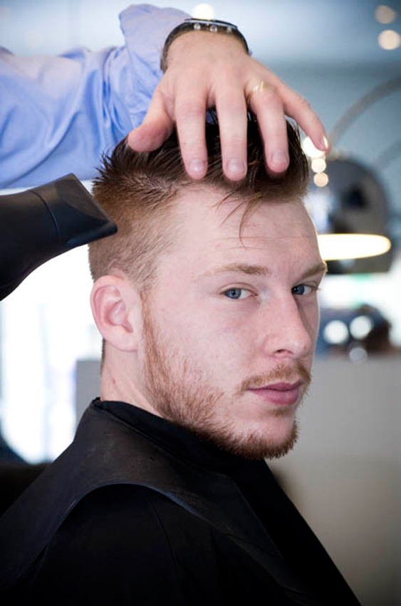 just-men-coiffure-homme-369-avenue-thiers-attentif